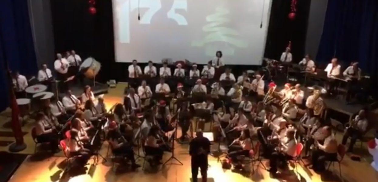 Éxito sin precedentes en concierto de navidad de la banda de Gilet